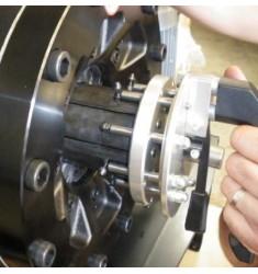 Outils de chargement / déchargement rapide pour mors des machines NK
